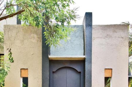 Pintu-Gerbang-dari-Material-Bekas_idea650x430
